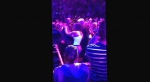 Jessica Biel dancing at Justin Timberlake Montreal show july 2014 #JT2020TOUR