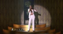 Selena Gomez Performs 'Same Old Love'