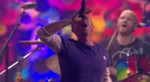 Coldplay - Hymn For The Weekend (Live at The BRIT Awards 2016)