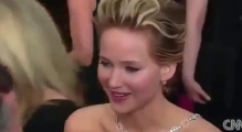 Jennifer Lawrence FALLS On Red Carpet Oscar Awards | HD