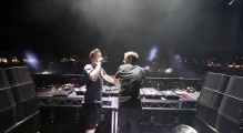 Sick shot of Hardwell and Martin Garrix in Australia
