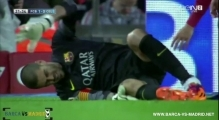 Victor Valdes Injury Barcelona vs Celta Vigo 3-0 Victor Valdes Injury 27 03 2014
